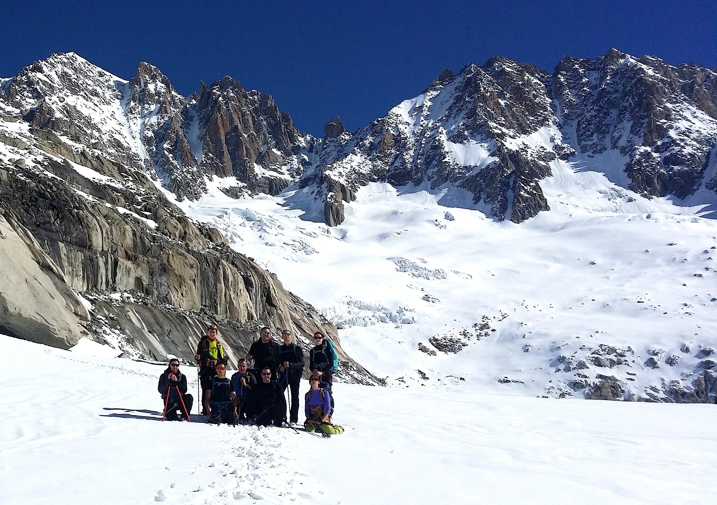 """Sur le glacier du Talèfre, avant de descendre le passage dit """"du couloir central"""""""