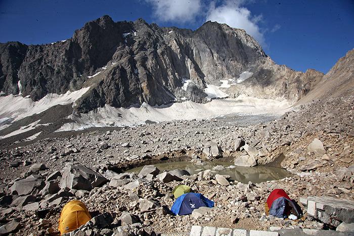L'Alam Koh, second sommet d'Iran - côté face nord...