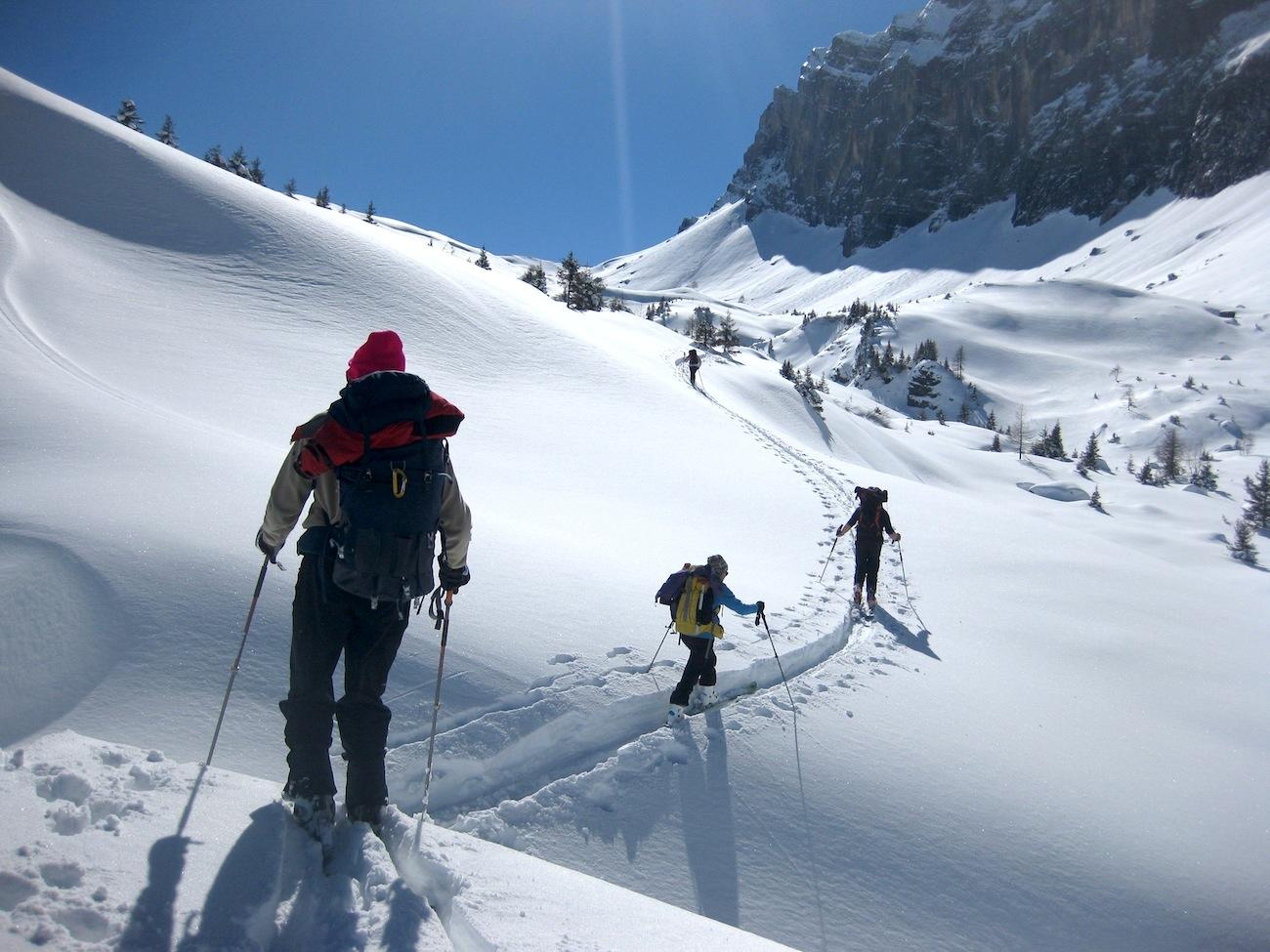 En montant au col d'Anterne, sur l'itineraire Sixt-Chamonix en Haute Savoie.
