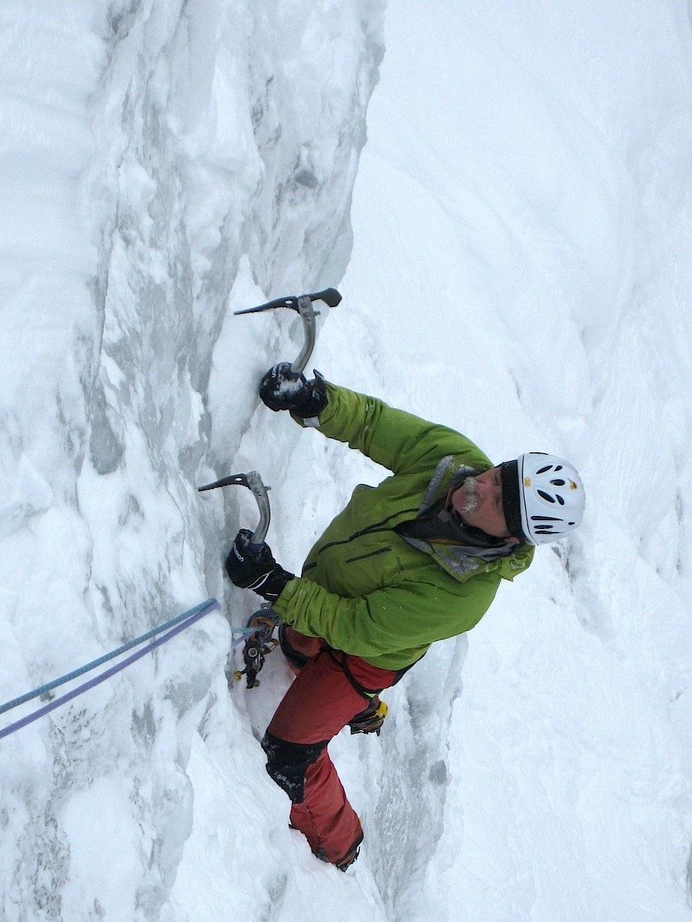 Etienne Gitton en action aux cascades de Sales (Haute Savoie)